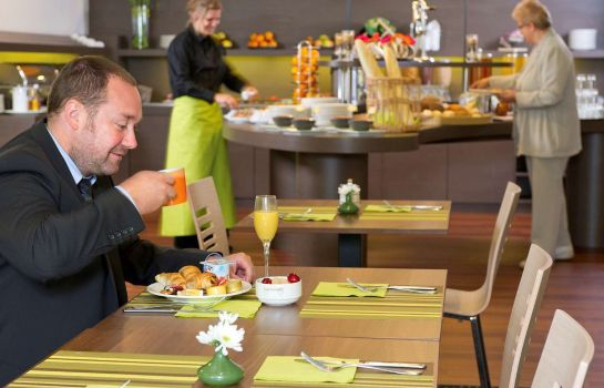 Restaurant ibis Styles Louvain la Neuve Hotel and Events