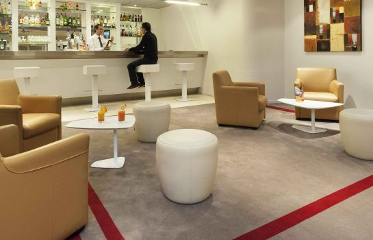 Bar hotelowy Hôtel Mercure Paris Le Bourget