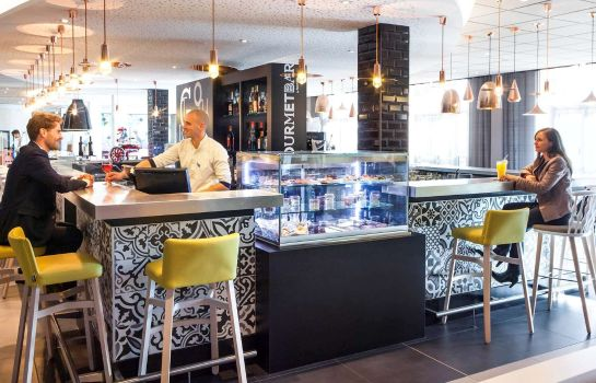 Hotel bar Novotel Saint-Quentin Golf National