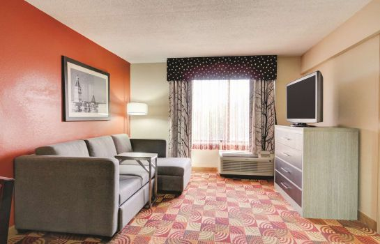 Suite LA QUINTA INNS AND SUITES CLARKSVILLE