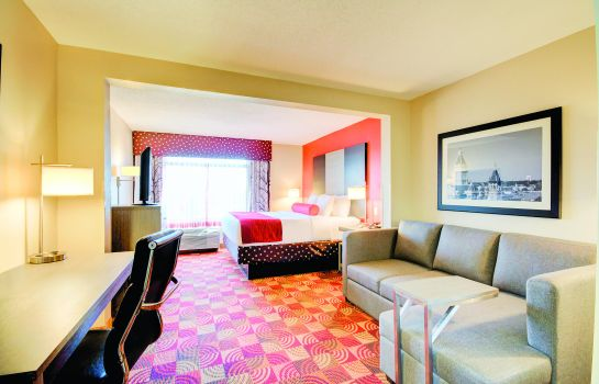 Zimmer LA QUINTA INNS AND SUITES CLARKSVILLE