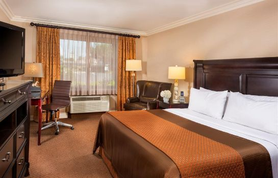 Suite AYRES HOTEL ONTARIO MILLS MALL