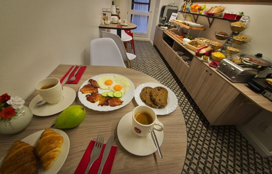 Breakfast buffet Suite Home Prague