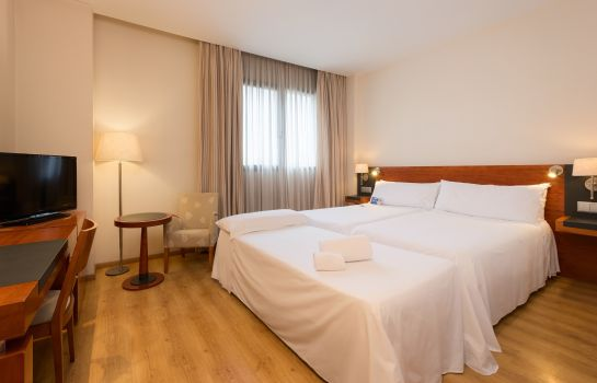 Chambre triple Valencia Oceanic Managed by Melia Hotels International