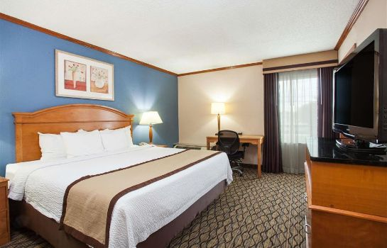 Room BAYMONT MADISON HEIGHTS DETROI