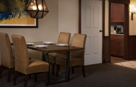 Restaurant Grand Residences by Marriott Tahoe - 1 to 3 bedrooms & Pent.