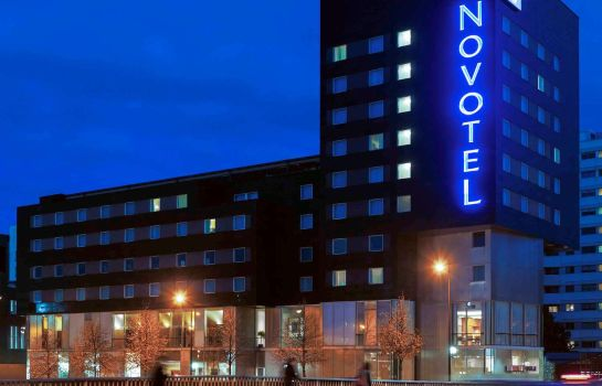 Exterior view Novotel Paris 17