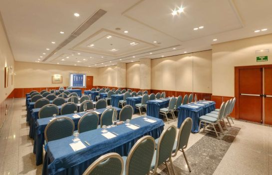 Conference room TRYP Leon Hotel