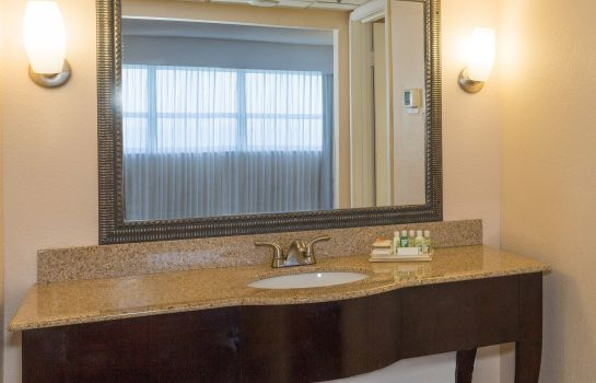 Informacja Holiday Inn MIAMI BEACH-OCEANFRONT
