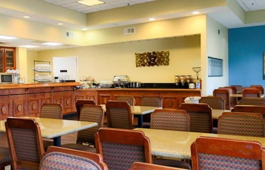 Restaurant Best Western Plus Hotel & Suites Airport South