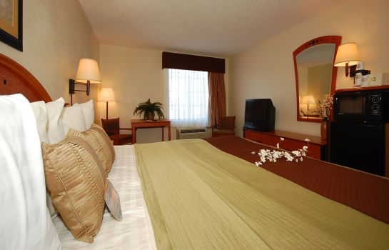 Room Baymont Inn & Suites Hinesville Fort Stewart Area