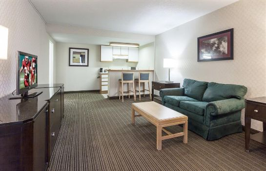 Suite Red Roof Inn & Suites DeKalb
