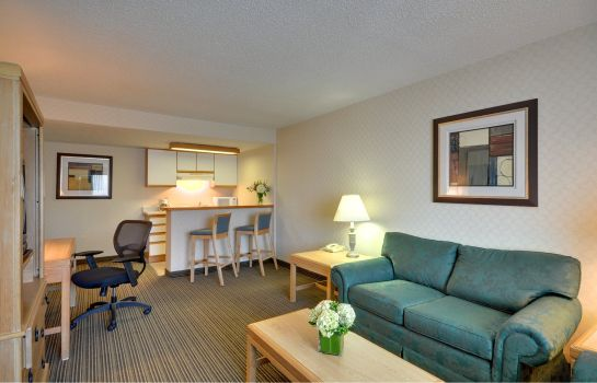 Suite Red Roof Inn and Suites DeKalb