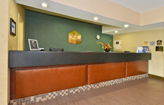 Lobby Holiday Inn Express & Suites EVANSVILLE NORTH