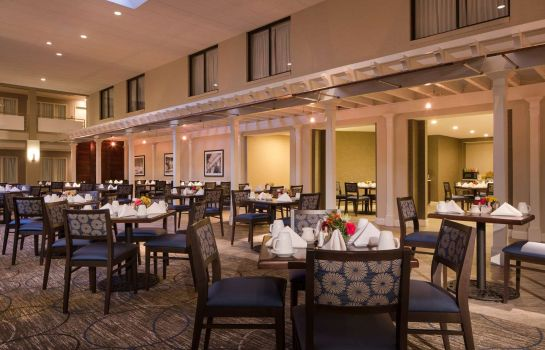 Restaurante DoubleTree by Hilton Laurel