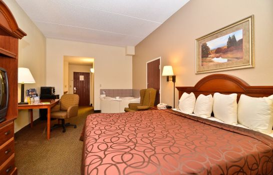 Zimmer Holiday Inn Express & Suites RALEIGH NE - MEDICAL CTR AREA