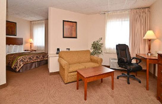 Suite BAYMONT INN & SUITES FARGO
