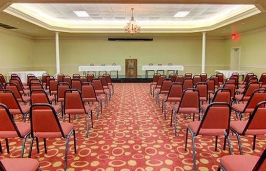 Sala konferencyjna Clarion Inn & Suites University Center