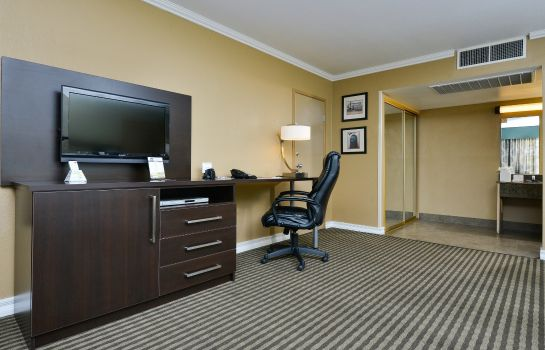 Zimmer BW ROYAL SUN INN AND SUITES