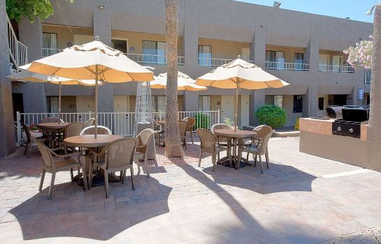 Restaurant BW INNSUITES PHOENIX HOTEL AND SUITES