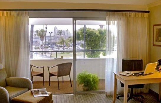 Zimmer BEST WESTERN BEACHSIDE INN