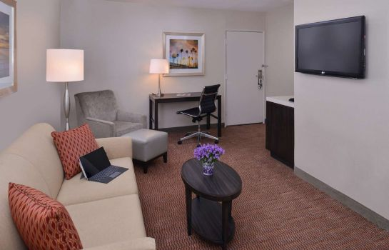 Suite BW ROYAL PALACE INN AND SUITES