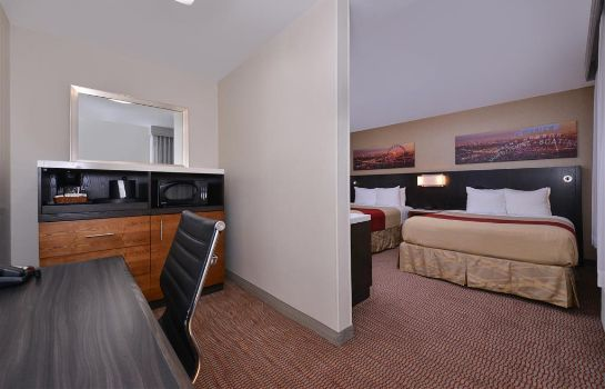 Suite Best Western Royal Palace Inn & Suites