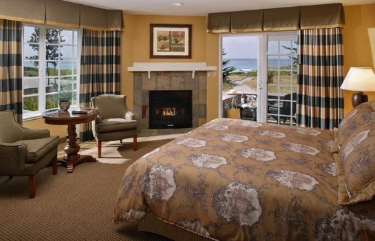 Zimmer Fireside Inn on Moonstone Beach
