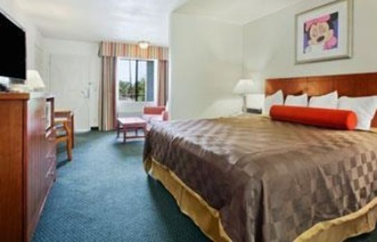 Suite TRAVELODGE ON DISNEYLAND DR