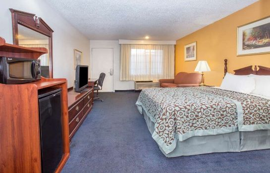 Suite Days Inn by Wyndham Grand Junction
