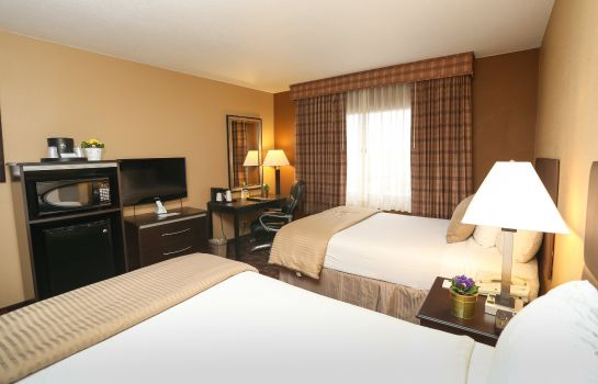 Room Quality Inn & Suites Denver Stapleton