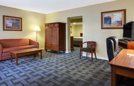 Suite BAYMONT INN & SUITES LAKE CITY