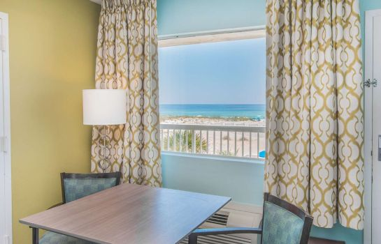 Zimmer DAYS INN PENSACOLA BEACHFRONT