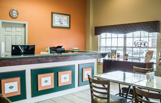 Hall Rodeway Inn & Suites Haines City