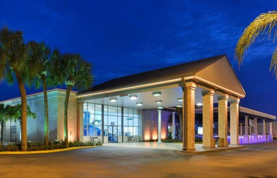 Buitenaanzicht Clarion Inn and Conference Center Tampa-Brandon