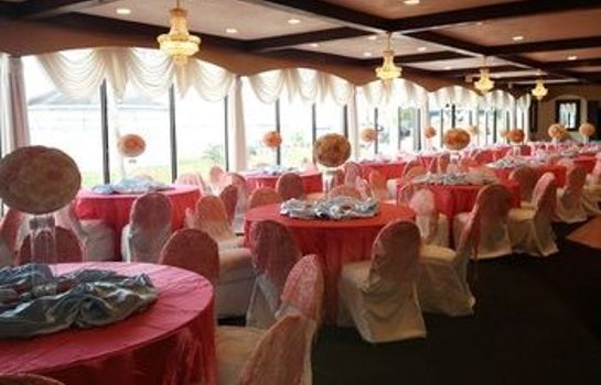 Sala balowa Monroe's on the Lake Hotel & Banquet Hall
