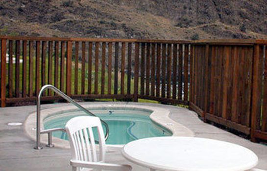 Whirlpool Salmon Rapids Lodge