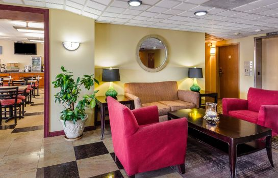 Hotelhalle Holiday Inn Express FALL RIVER NORTH