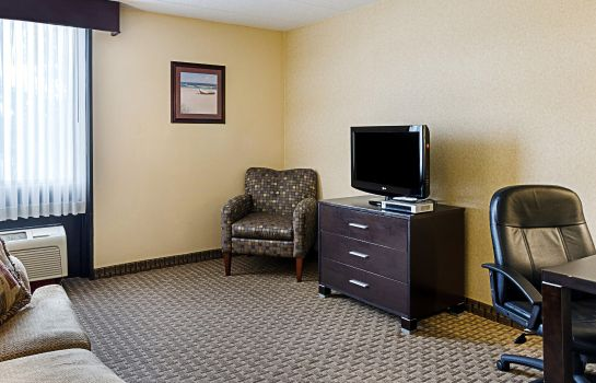 Camera Comfort Inn & Suites Fall River