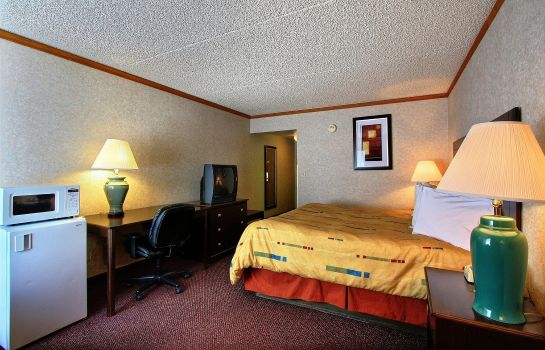 Camera DAYS INN MADISON HEIGHTS