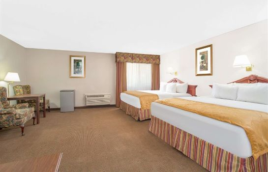 Suite Days Inn & Suites by Wyndham Red Rock-Gallup
