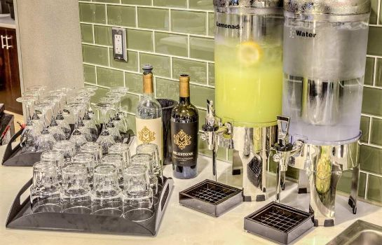 Hotel-Bar Homewood Suites by Hilton Columbus-Polaris OH