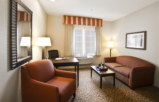 Suite BW WESTCHASE