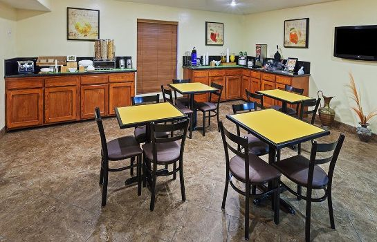 Restaurant TEXAS INN AND SUITES - RAYMONDVILLE