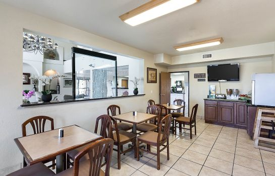 Restaurant Quality Suites San Antonio