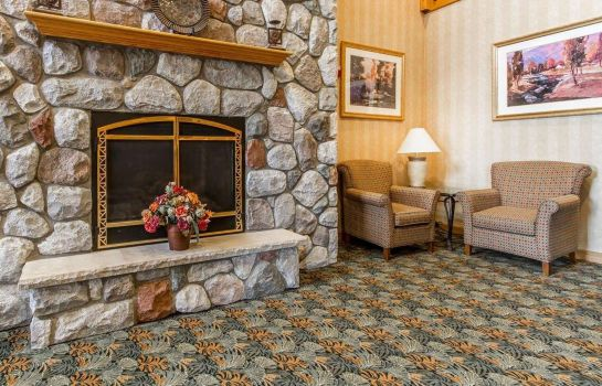 Lobby Quality Inn and Suites Lodi