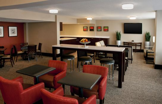 Hotel-Bar Sheraton Imperial Hotel Raleigh-Durham Airport at Research Triangle Park