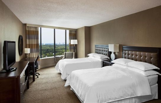 Room Sheraton Greensboro at Four Seasons
