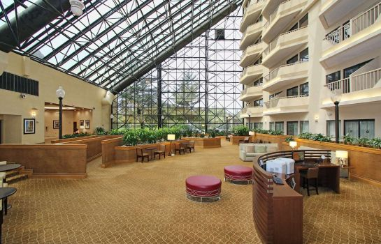 Hall de l'hôtel DoubleTree by Hilton Newark Airport