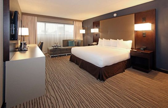 Zimmer DoubleTree by Hilton Newark Airport